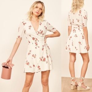 NWPT♥️Reformation Sweet Lucky Magdalena Wrap Dress